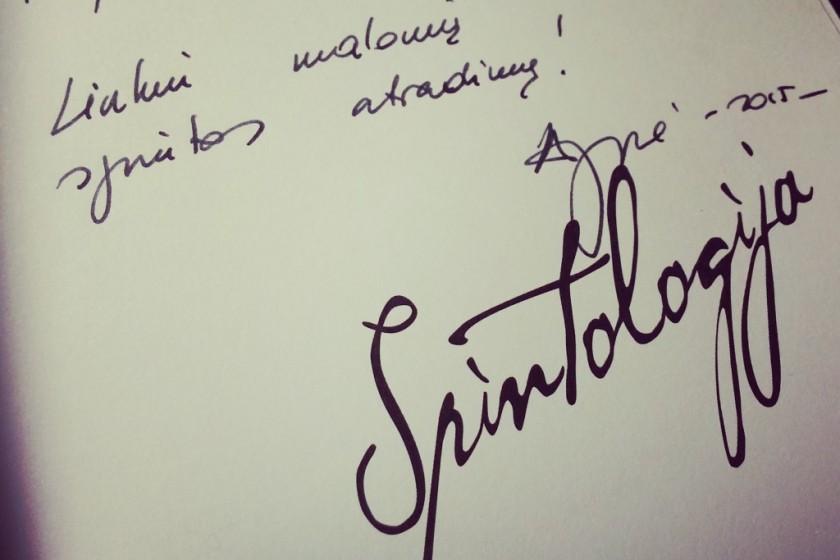 Spintologija-autografas