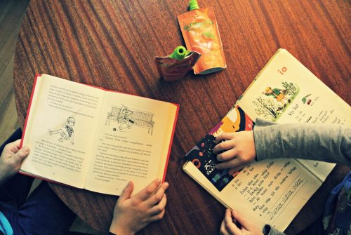 skaitymo-stalas